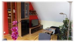 Gästehaus-Taraba-Metzingen4-Sterne-Ferienwohnung-Wohnzimmer